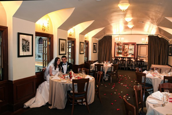 Las Vegas Restaurant Wedding Reception Howto Decorate