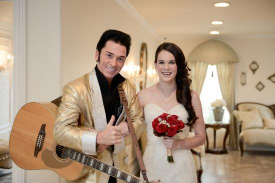 """Elvis Helps Couples Say """"I Do"""" at Chapel of the Flowers in Las Vegas"""
