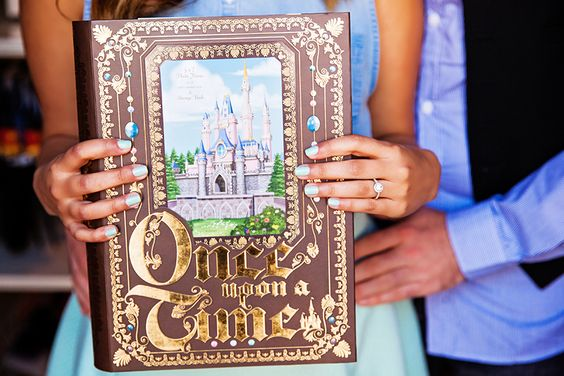 Storybook Guestbook | Fairytale Wedding I Beauty and the Beast Wedding Ideas
