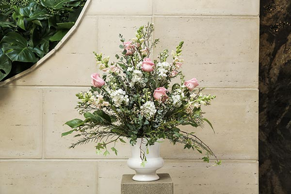 Garden Wedding Flowers | Wedding Flower Ideas | Blush Wedding Flowers for Ceremony