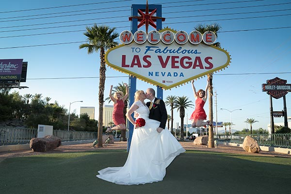 The Magnolia Chapel A Glamorous Las Vegas At An Affordable Price Weddings