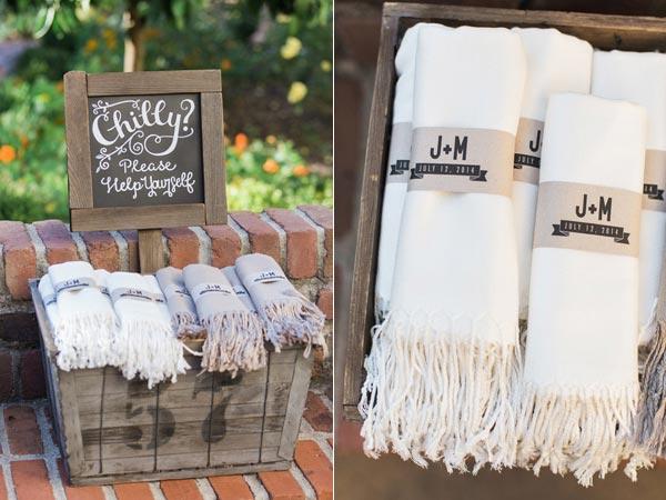 Fall Weddings | Wedding Ideas | Fall Blanket Wedding Favors