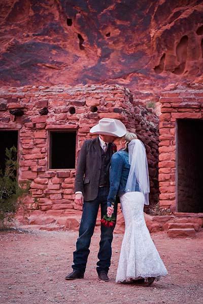 Las Vegas Weddings At Valley Of Fire