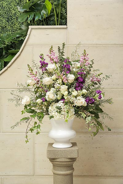 Boho Chic Vintage Wedding Flowers | Wedding Flower Ideas | Dusty Lavendar Wedding Flowers for Ceremony